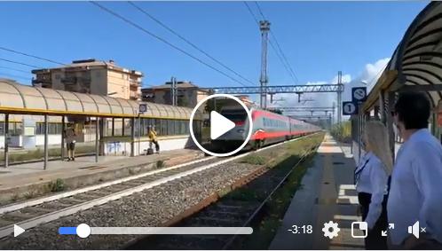 Prima fermata del treno Frecciargento alla stazione di Capaccio Roccadaspide.